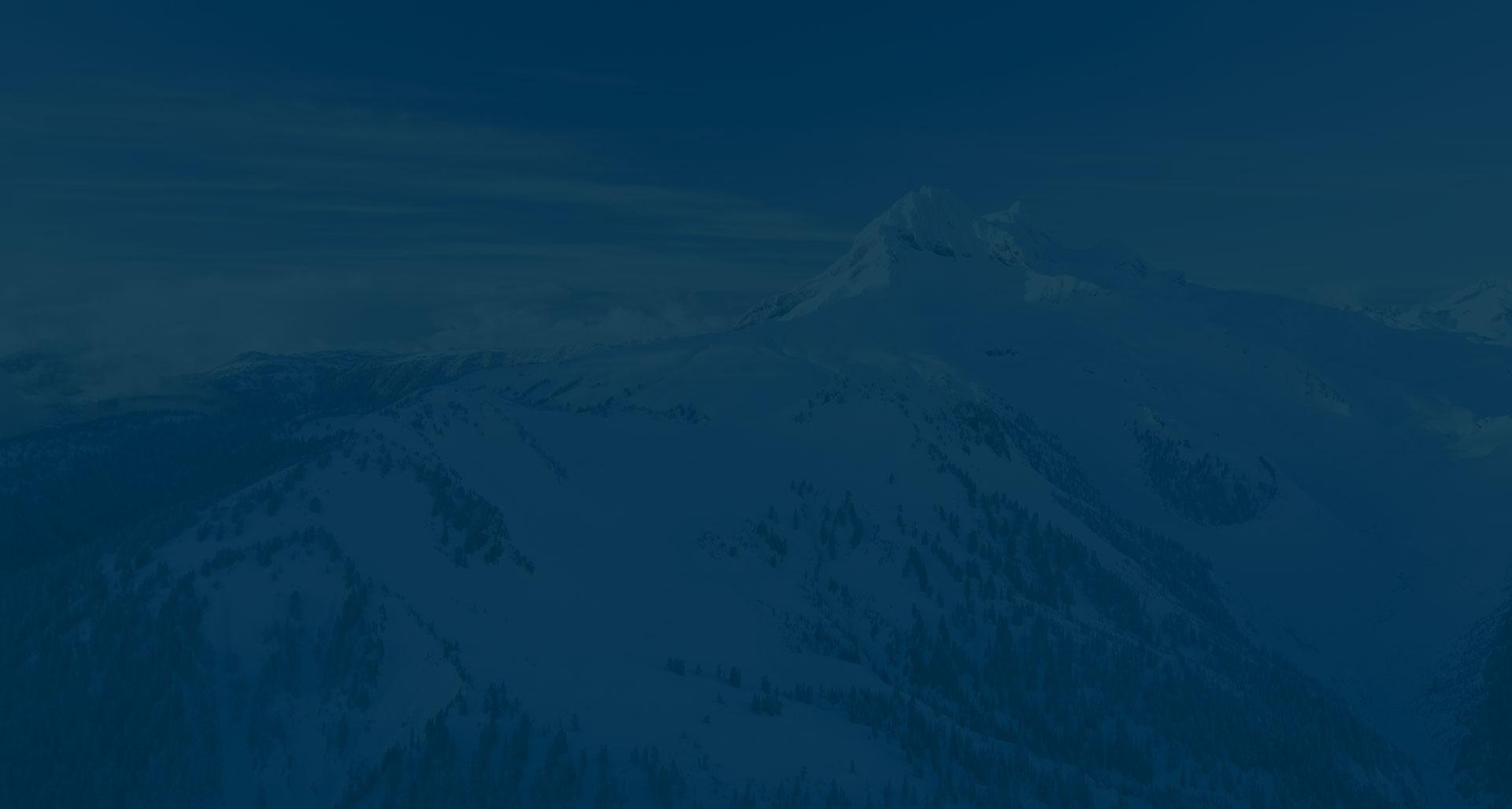 Alpen mit blauer Färbung